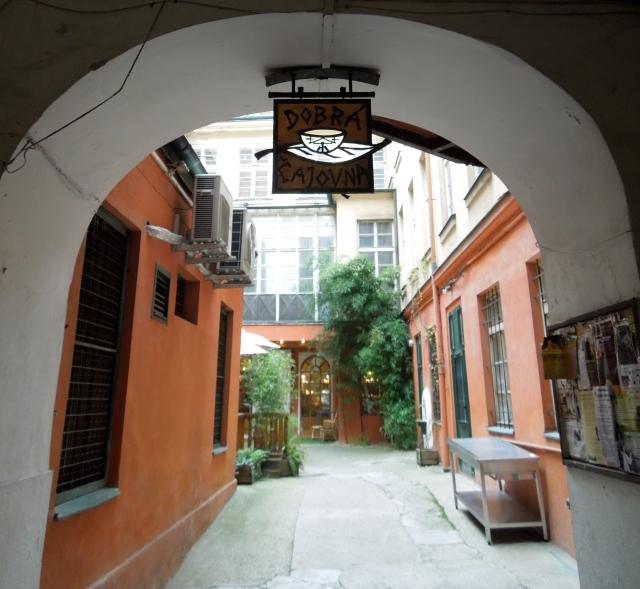 Dobra entrance
