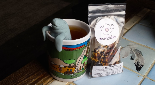 The mana-tea approves of Plum Deluxe's Full Moon Chai